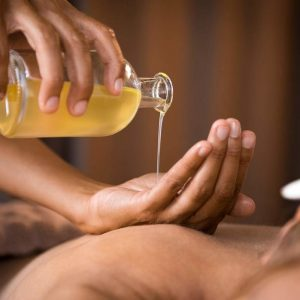 huile-massage-huiles-essentielles